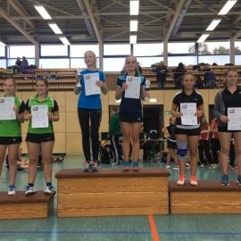 2016-10-08 Bezirksmeisterschaften U11-U19 Siegerehrung DD U15 Lena Brestel Ida Warfsmann